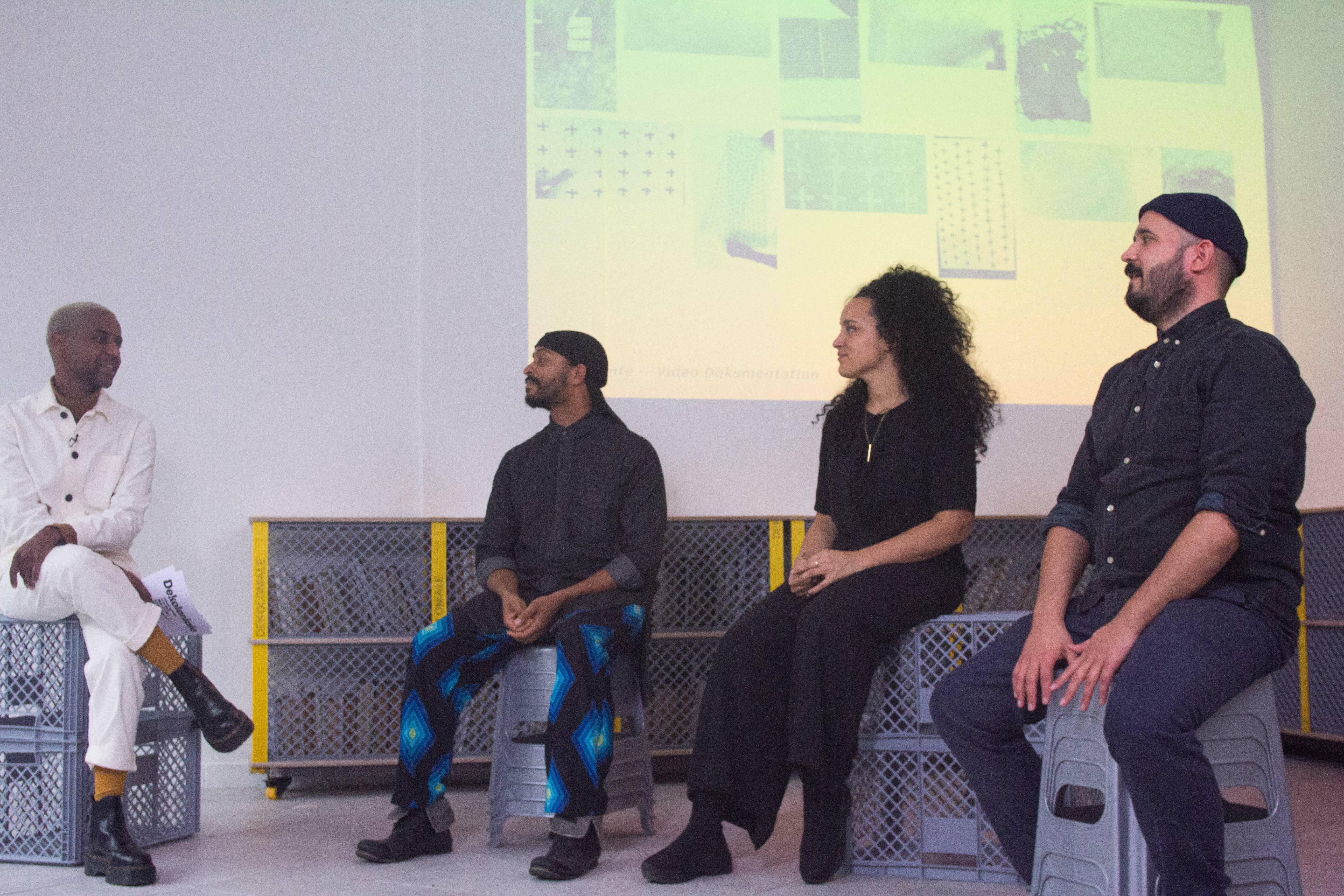 Bei Dekoloniale Eröffnung Gesprächsrunde mit Team von visual intelligence